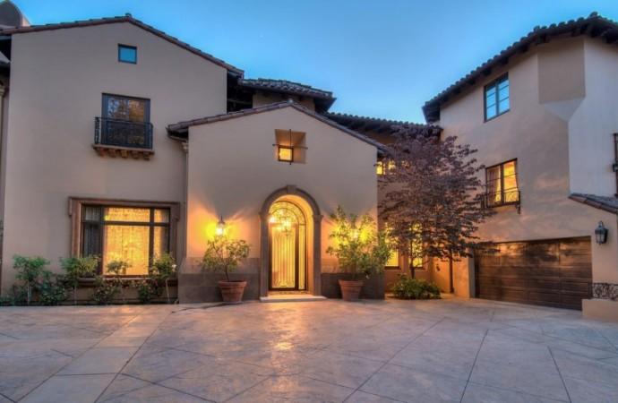 Beverly Hills: Slash dei Guns N'Roses vende la sua villa in stile toscano